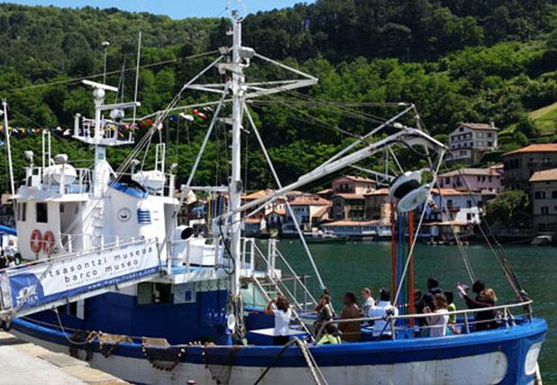 El buque Mater
